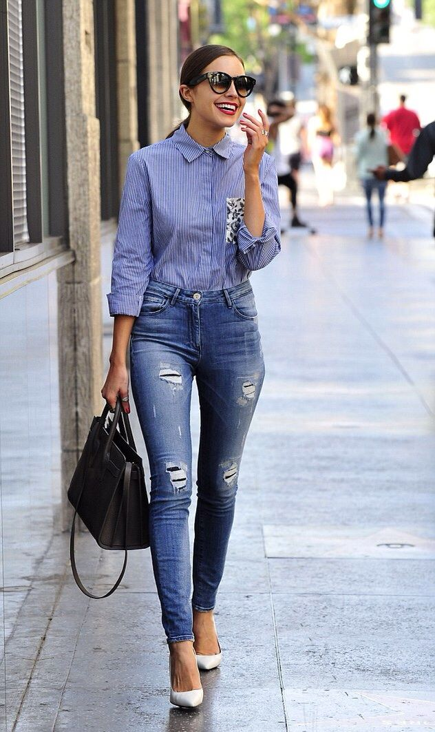 Olivia Culpo looking sexy in very tight high-waisted jeans ... a5fa53a4d85