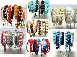 várias pulseiras
