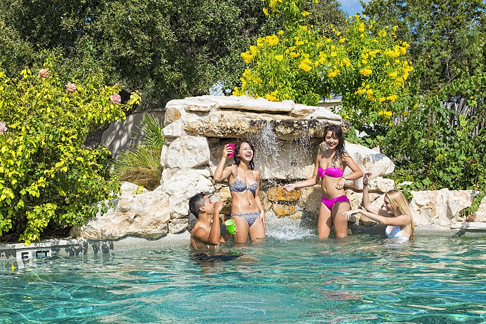 River Rim Resort Enjoy The Frio In Concan Texas Family Friendly Lodging Hill Country Cabins And Lodges At