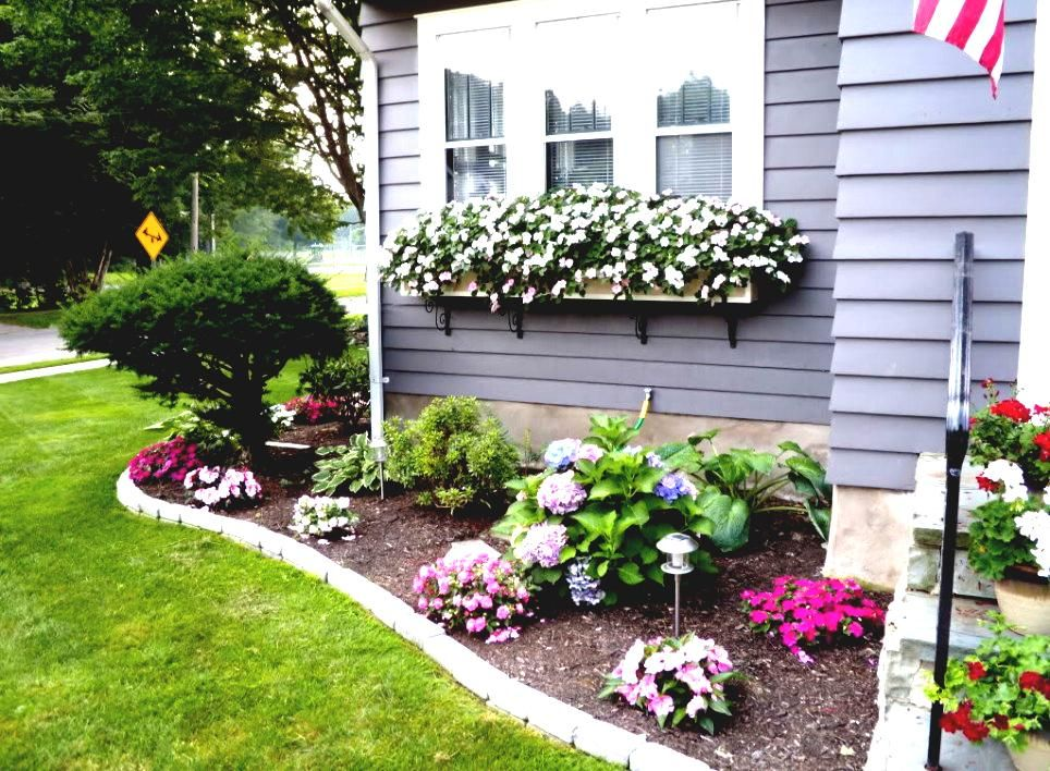Flower bed ideas for front of house back front yard for Front window landscaping ideas