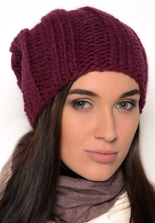 Вязание женской шапки спицами для 50 лет