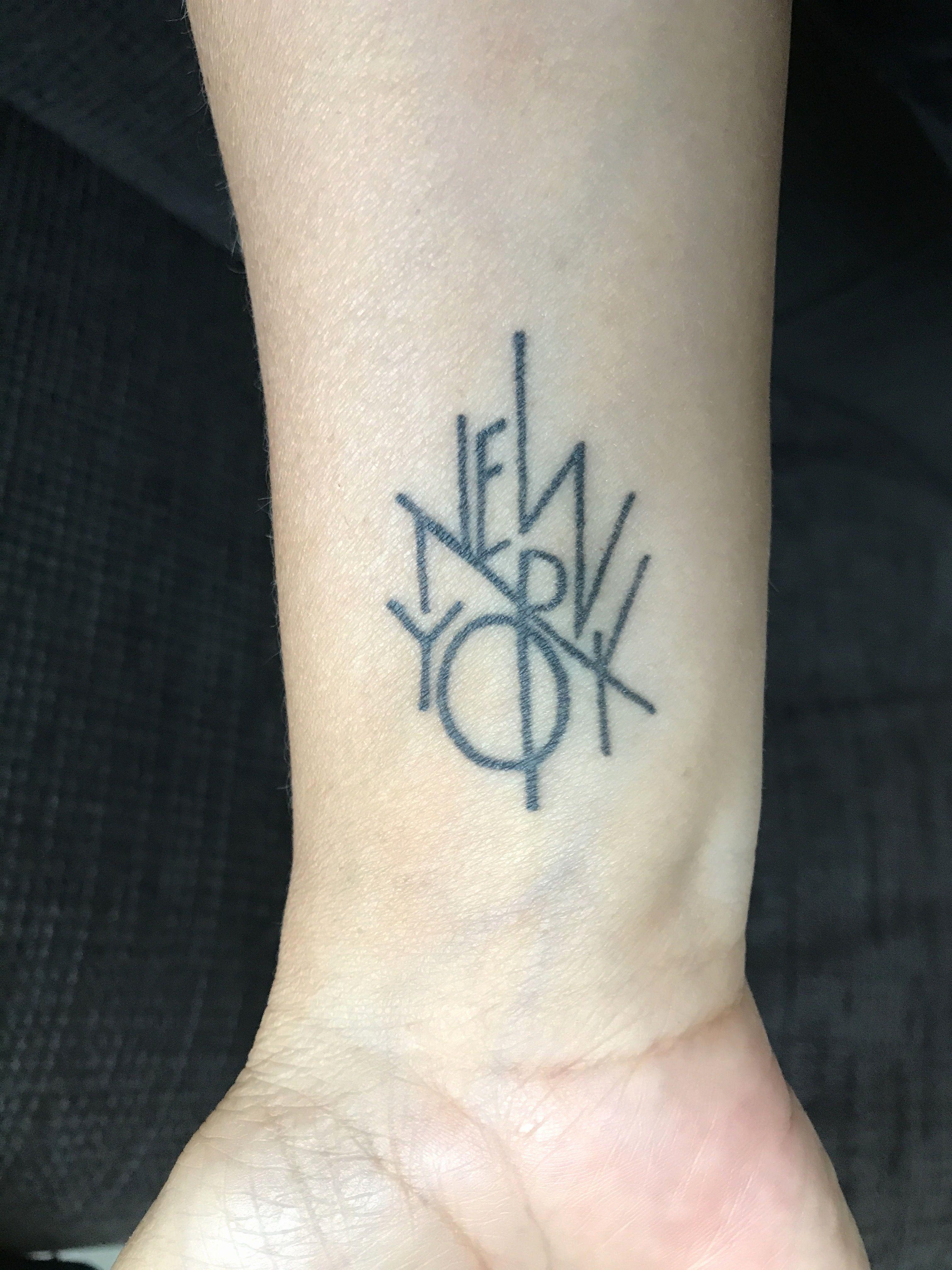 Line Tattoo Designs In 2020 Tattoos New York Tattoo Nyc Tattoo