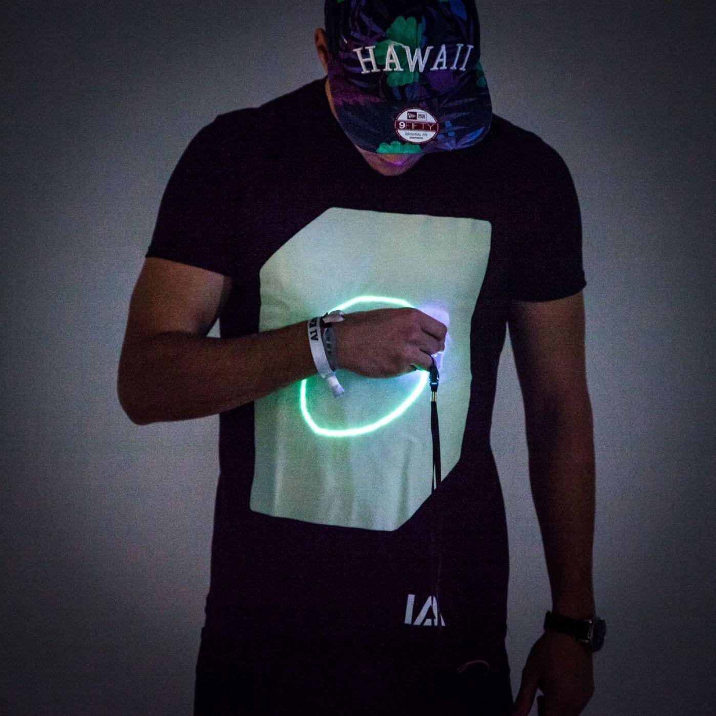 Interaktives Glow T Shirt