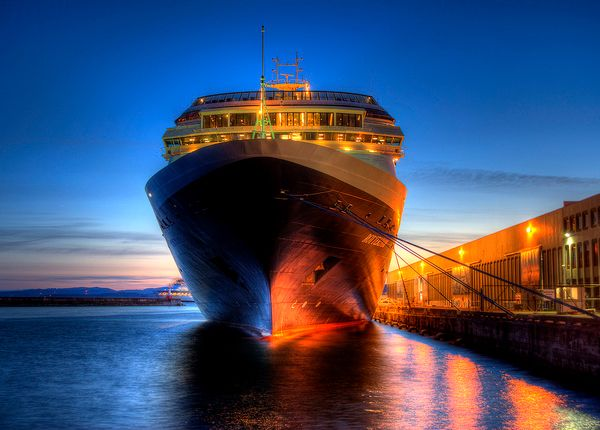 Cruise Ship Twilight Photography Capturing The Colors