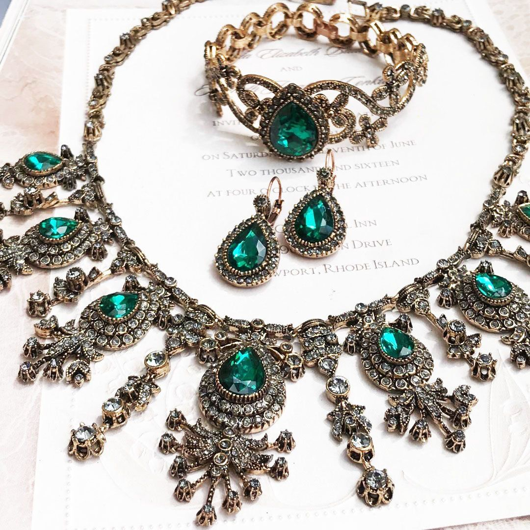 Vintage Inspired Victorian Jewelry Set Bridal Jewelry Set Ballroom jewelry Bronze Antique Gold Bridal Necklace Earrings Bracelet set