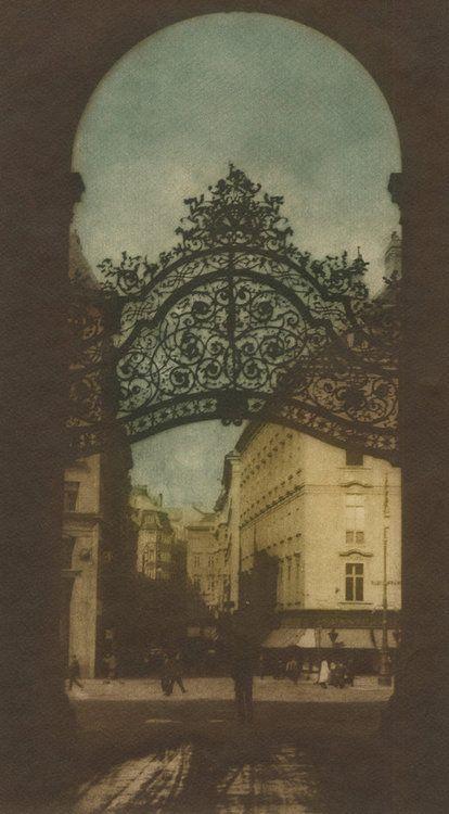 Bürgertor, Wien, 1918, Rudolf Koppitz. Austrian (1884 - 1936)