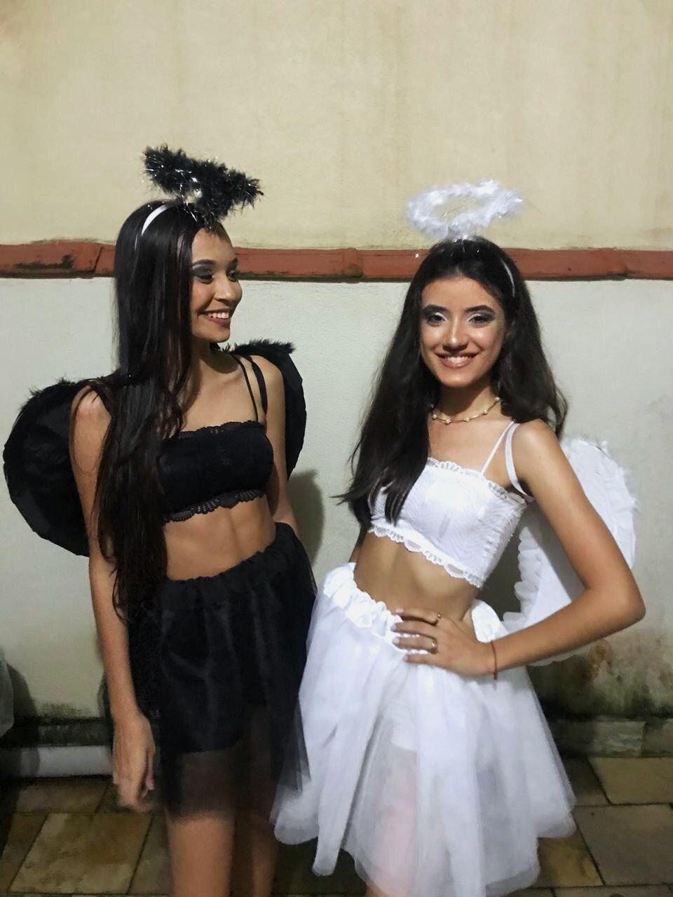 Pin De Sara Em Cose Strane Fantasias Femininas Fantasia Dia Das Bruxas Fantasias Carnaval