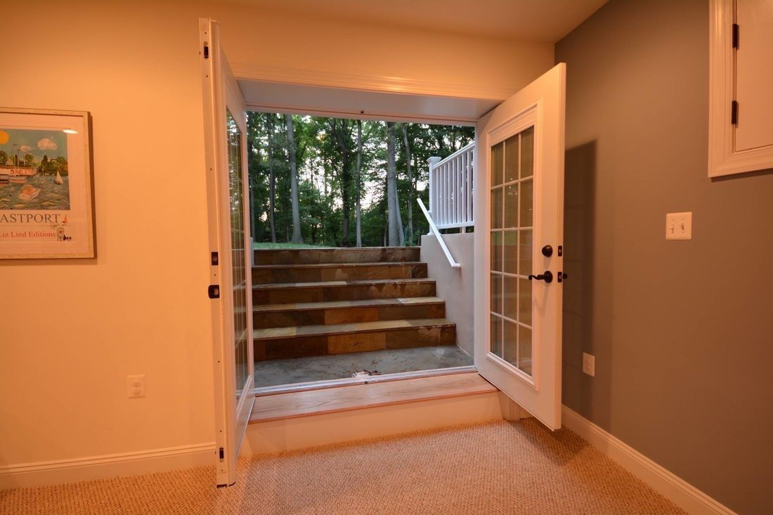Basement walk out and egress windows ideas basement for Walkout basement door options