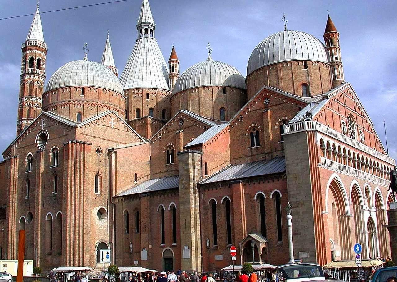 Catedrais Medievais Architektur Historisch
