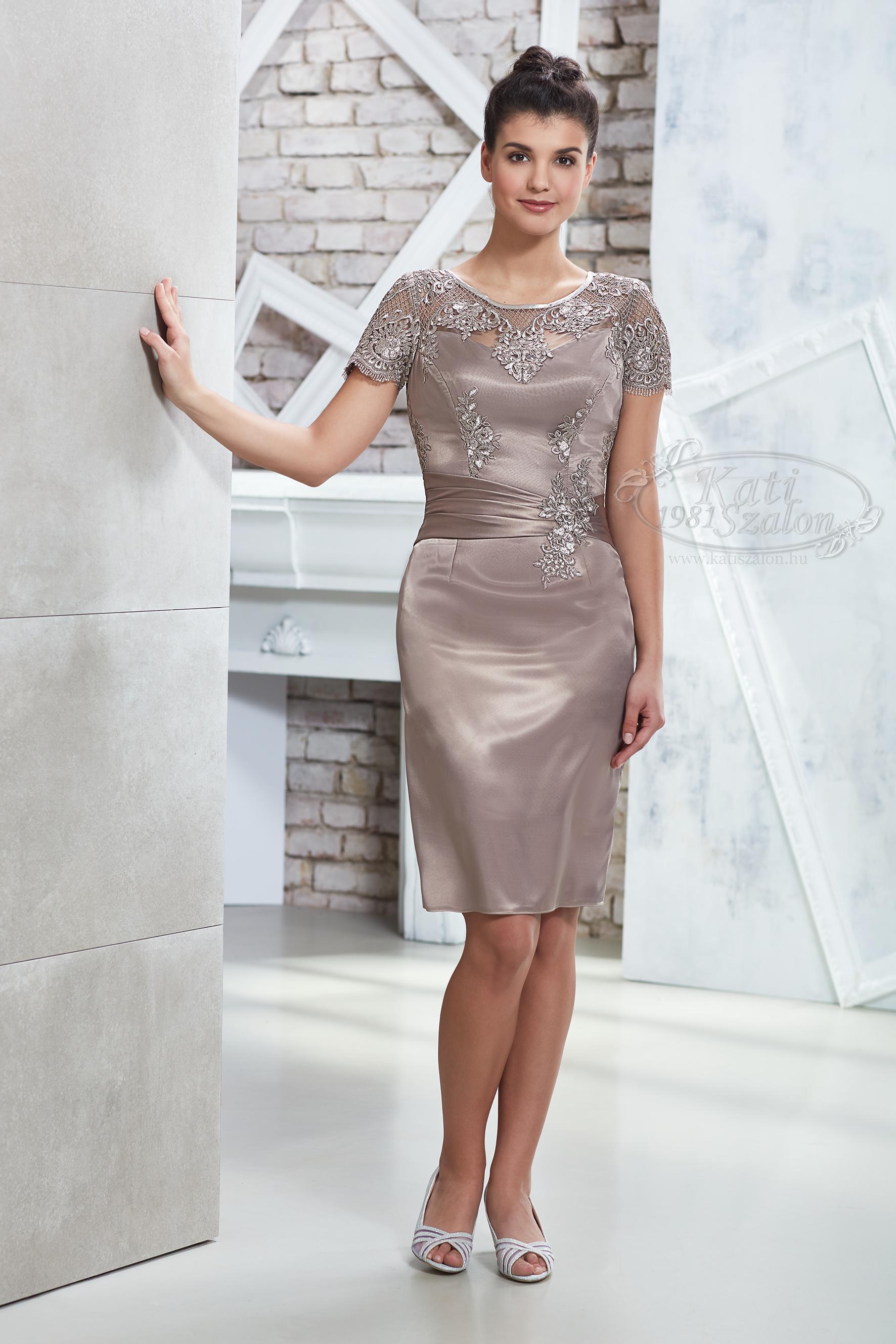 b6a1e167e3 Kati Szalon - bézs színű csipkés alkalmi ruha, koktélruha esküvőre ...