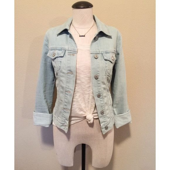 Denim (Light Blue) Jacket sz S NWOT Denim (Light Blue) Jacket sz S NWOT by Old Navy  It's long sleeved but is just shown cuffed. The top and necklace are NOT included, sold separately.                                                                      NO TRADES NO PAYPAL Old Navy Jackets & Coats Jean Jackets
