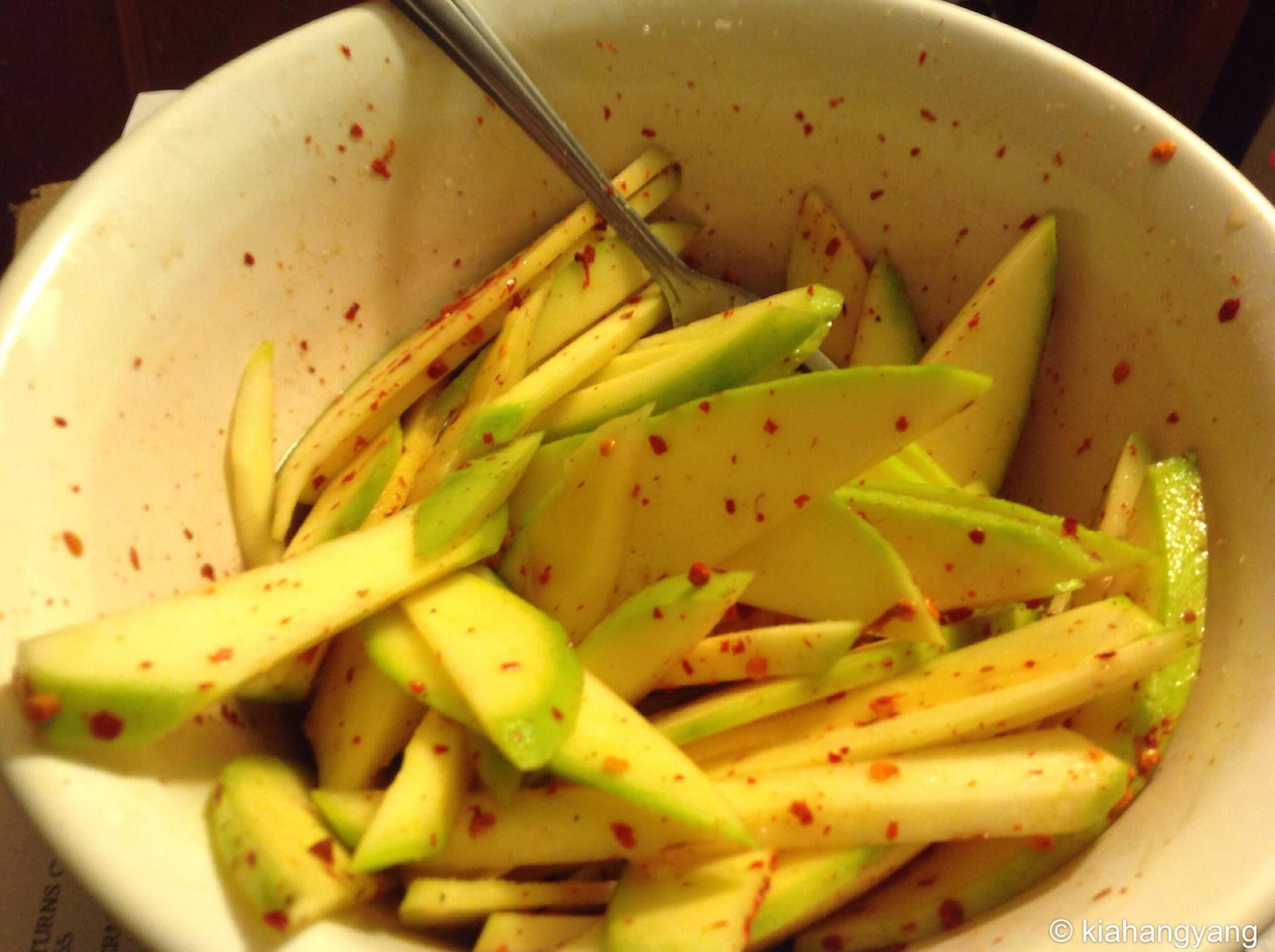 Hmong food green mango with pepper fish sauce so for Asian fish sauce