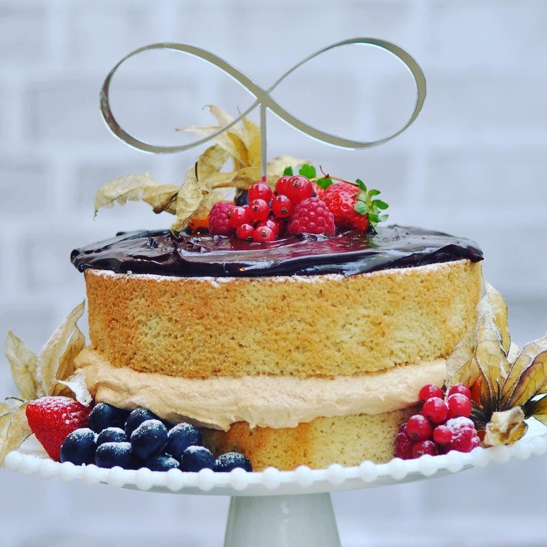 Amor infinito por esse novo modelo de topo de bolo! Lindo pro seu casamento e para o dia das mães! #topodebolo #caketopper #infinito #bolodecasamento #bolodiadasmães #diadasmaes #diadasmaeschegando #kitearte by kitearte