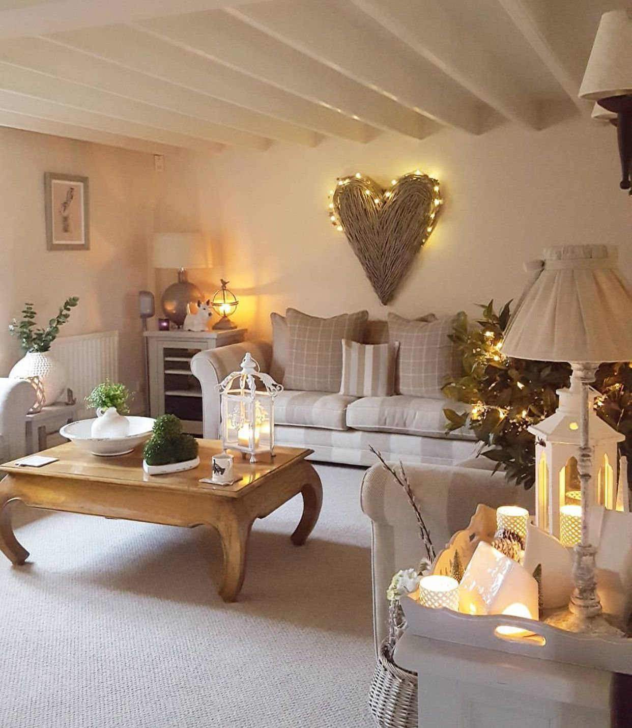 Cozy Home Decoration: Beige Neutral Home Decor Decorating / Lights /heart Wall