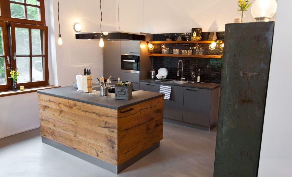 Offene Küche modern mit Kochinsel grau weiß Holz Ideen