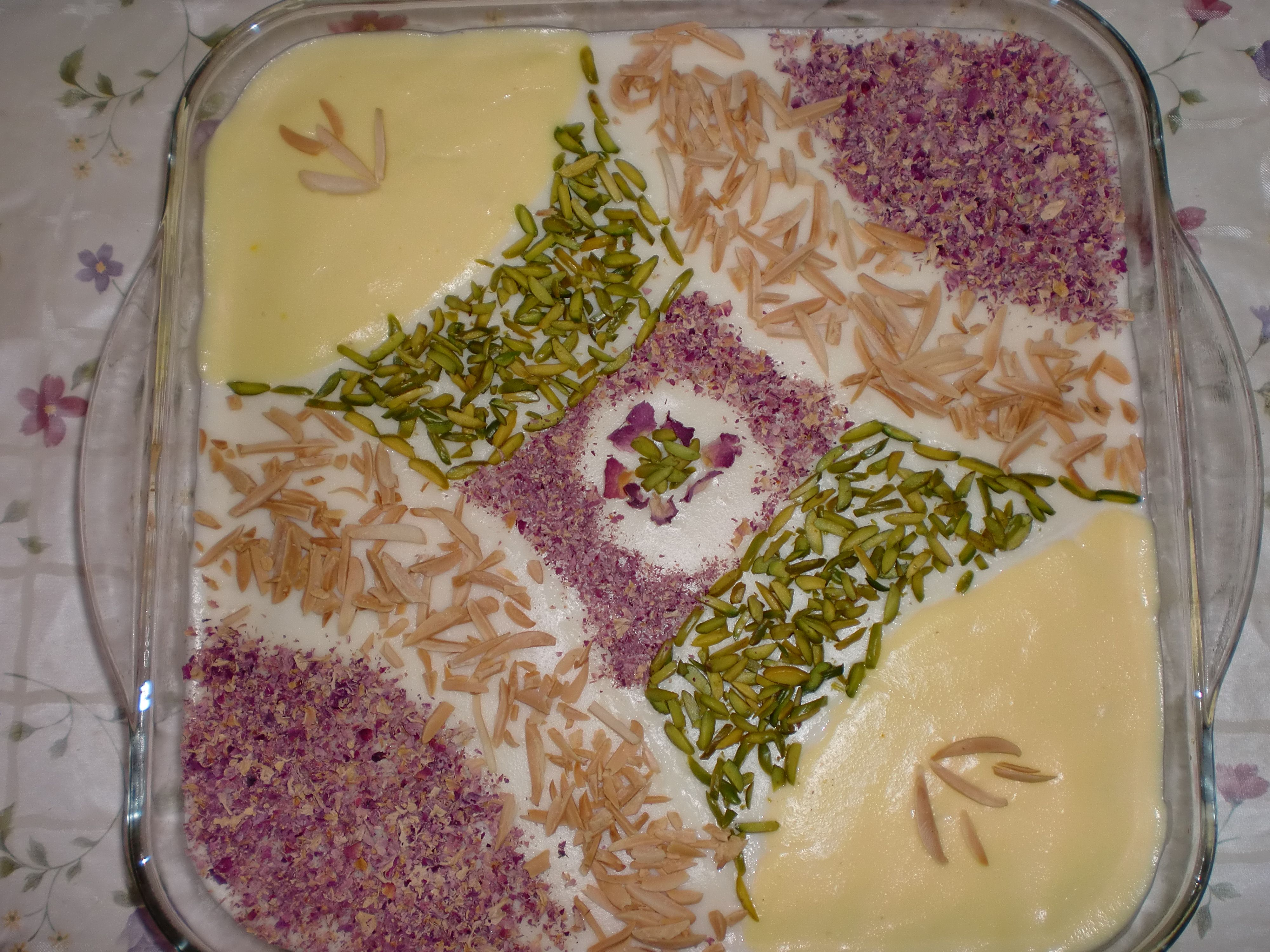Ferni a persian dessert homemade by leila pinterest persian ferini a persian rice flour dish that can be eaten for breakfast or as a dessert forumfinder Choice Image