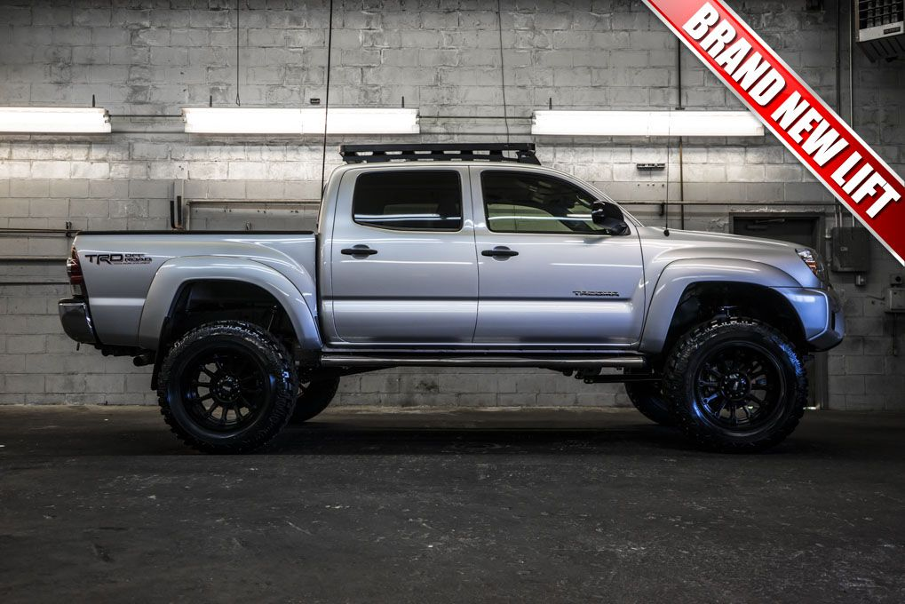 2013 toyota tacoma trd 4x4 for sale with a brand new 6 fabtech performance lift with 20 metal. Black Bedroom Furniture Sets. Home Design Ideas