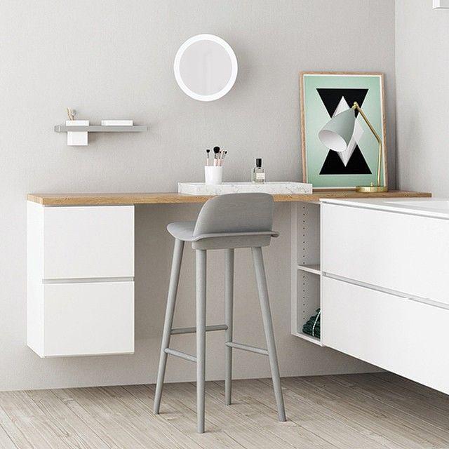 Nydelig sminkebord fra Kvik! #boligpluss #baderom #bathroom #interiør #interior123 #interior