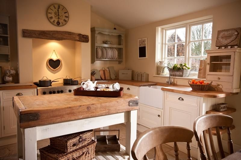 rustikale englische landhausk che k che pinterest. Black Bedroom Furniture Sets. Home Design Ideas