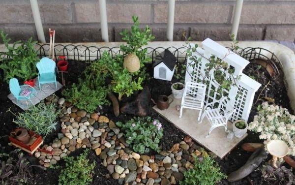 garten patio möbel kiesweg pflanzen | miniaturgarten | pinterest, Gartenarbeit ideen