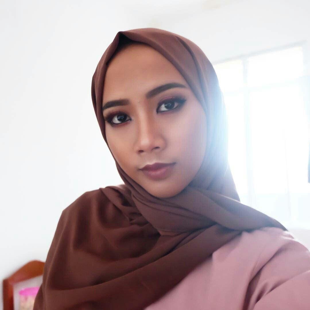 Make Up Wisuda Terbaik Tangerang Make Up Wisuda Tanpa Jilbab Tangerang Make Up Wisuda Untuk Wajah Bulat Tangerang Make Up Wisuda Un Wisuda Sma Make Up Wajah