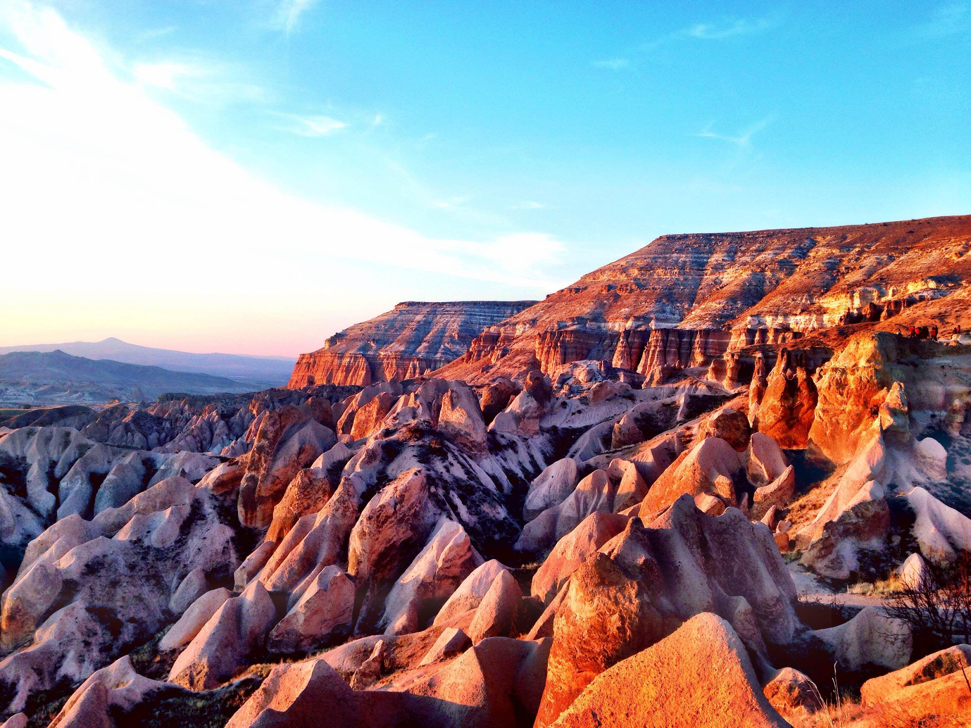 A partire da 550 Euro a persona Con questo tour scoprirete il meglio della vasta regione della Cappadocia, della sua storia e delle tradizioni millena...