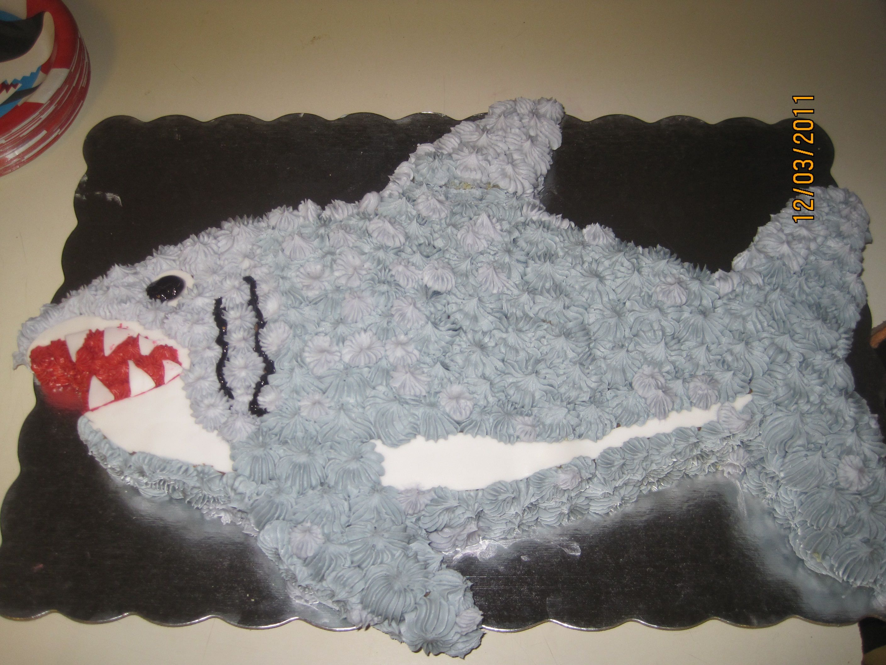 Pin by 229 Designs on Cupcakes | Pinterest | Shark, Shark party and ...
