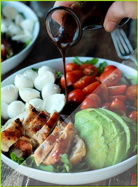 Salat von gestern Mozzarella H hnchen Tomaten Salat und Avocado   Fitness  Avocado Fitness gestern H...