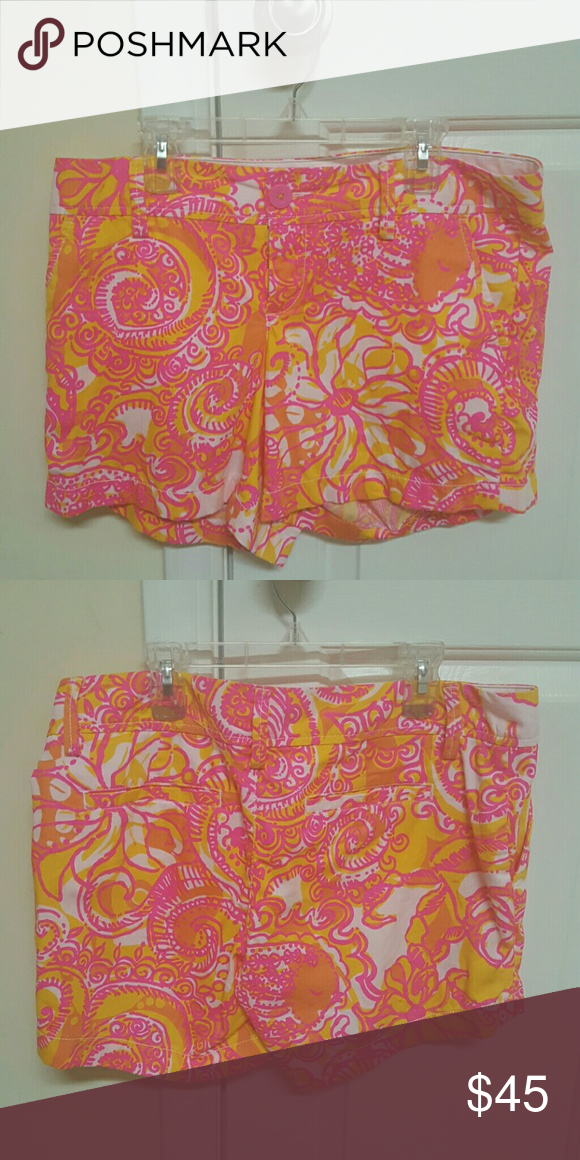 Lilly Pulitzer Callahan's EUC Lilly Pulitzer Callahan's in Sea and be Seen Print. They are in great condition . There are no flaws or piling in between the legs. Great shorts. 35.00 on 🅿🅿 with free shipping. Lilly Pulitzer Shorts
