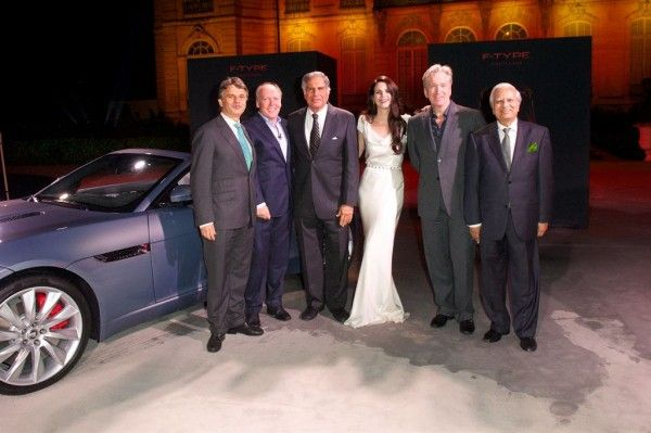 Jaguar F Type Unveiled In Paris With Lana Del Ray Performing In