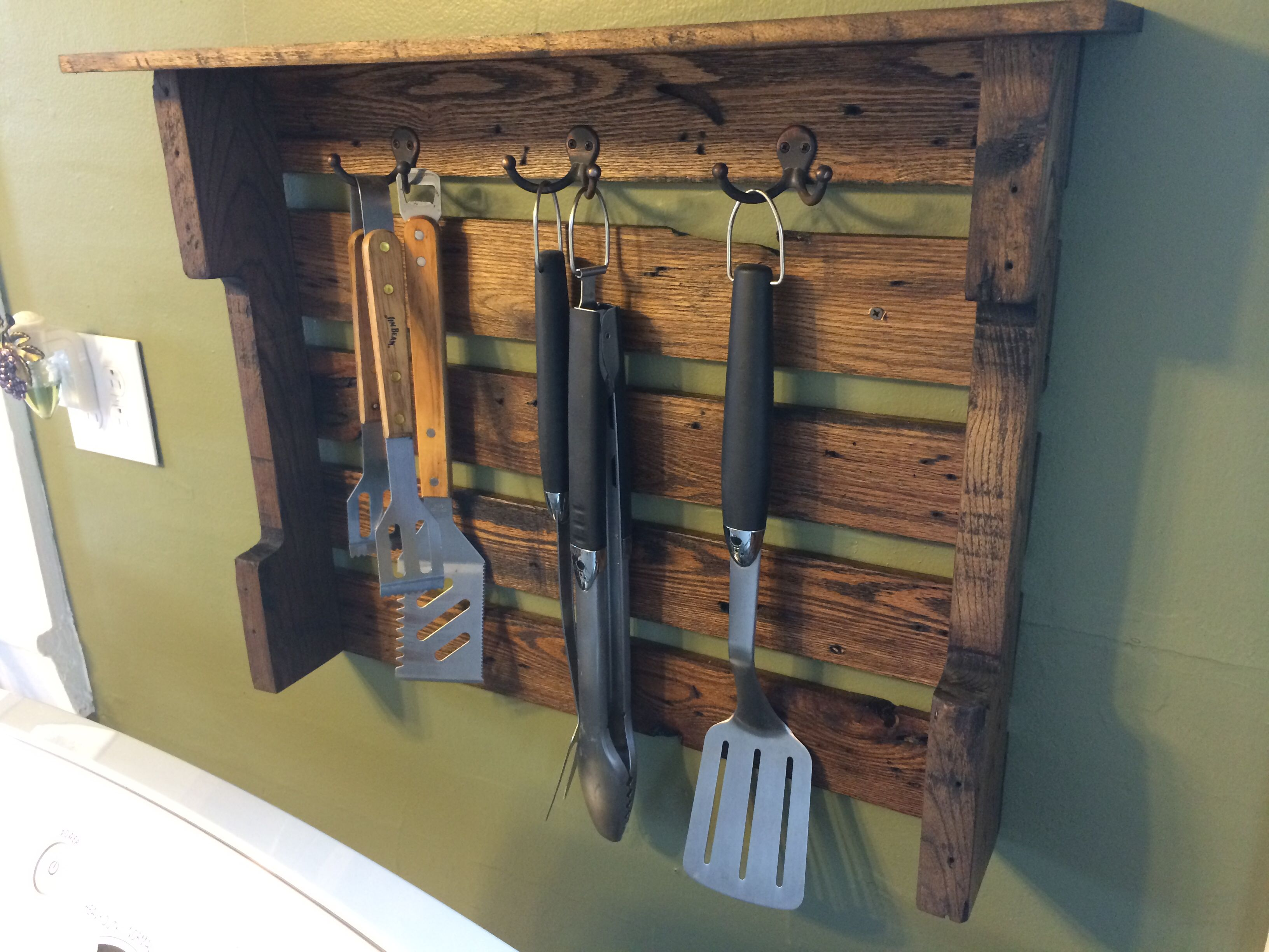 Delicieux Grill Utensil Holder. Stained With Ages Oak.