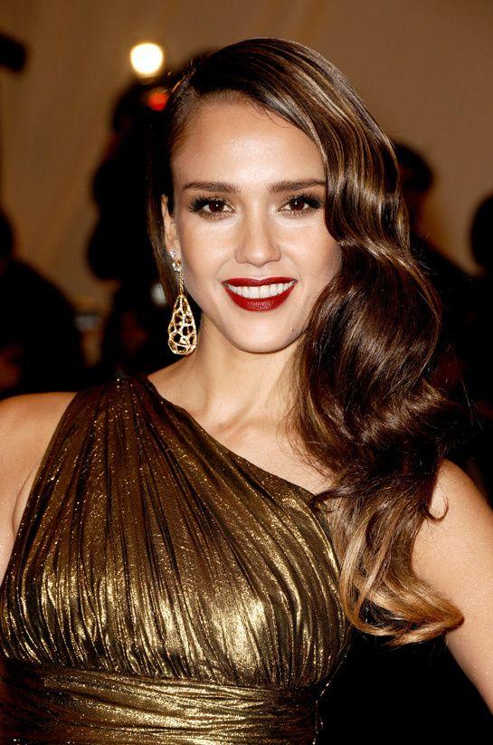 Les Plus Belles Coiffures Du Gala Du Met Costume Institute Hair Styles Retro Hairstyles Celebrity Hairstyles