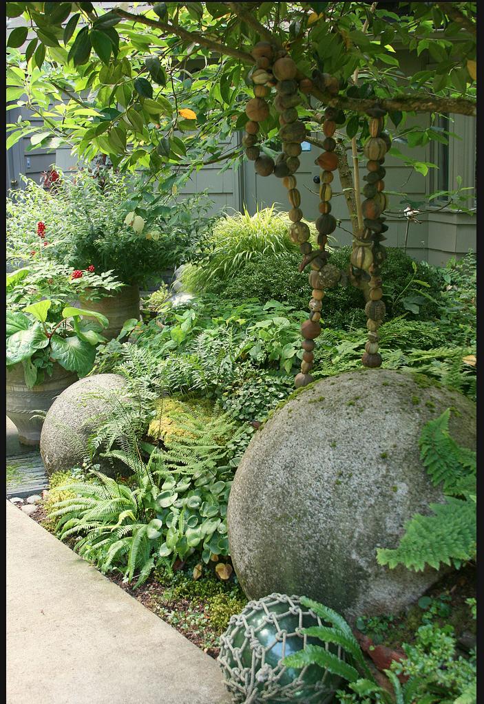 élément de décor - boules en pierre de tailles variées | jardin ...