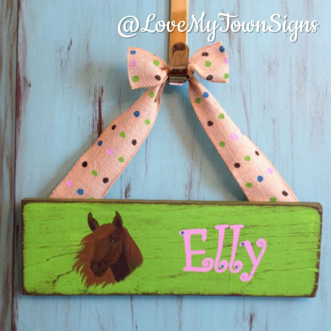 Sign for a sweet girl and her horse!;) #lovemytown #lmtsigns #woodensigns #handpainted #homedecor #horses #cowgirl #birthdaygift #ilovehorses