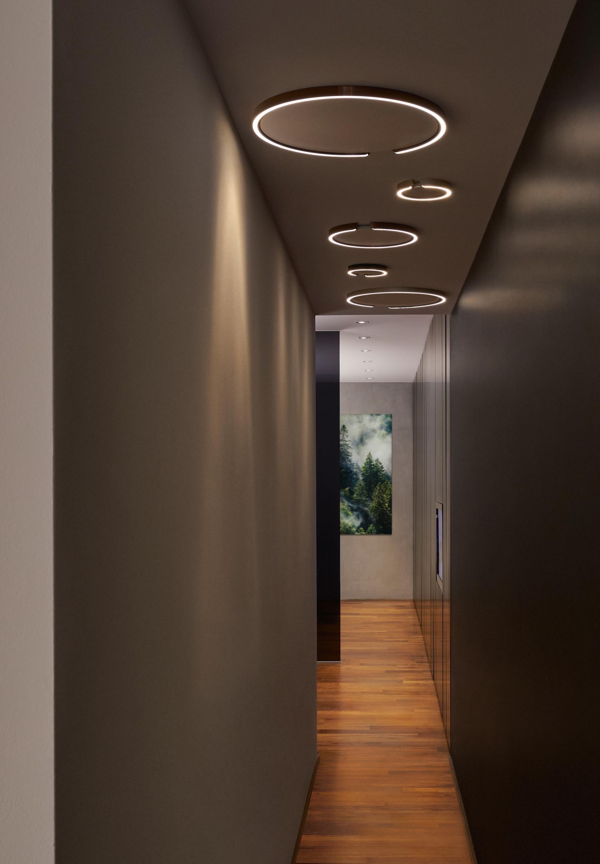De plafondplaat van lamp is hier meegeverfd met het plafond hierdoor lijkt te zijn ingebouwd also new pop false ceiling designs roof design for living room rh pinterest