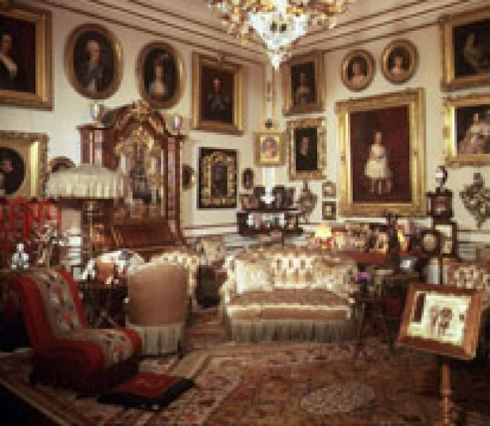 queen louise s private salon victorianesque rooms