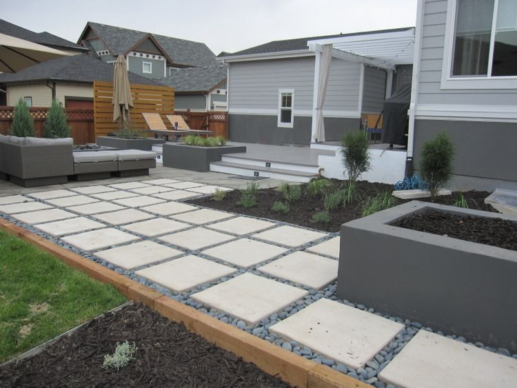 2 X 2 Pavers Modern Landscaping Modern Landscape Design Backyard Design