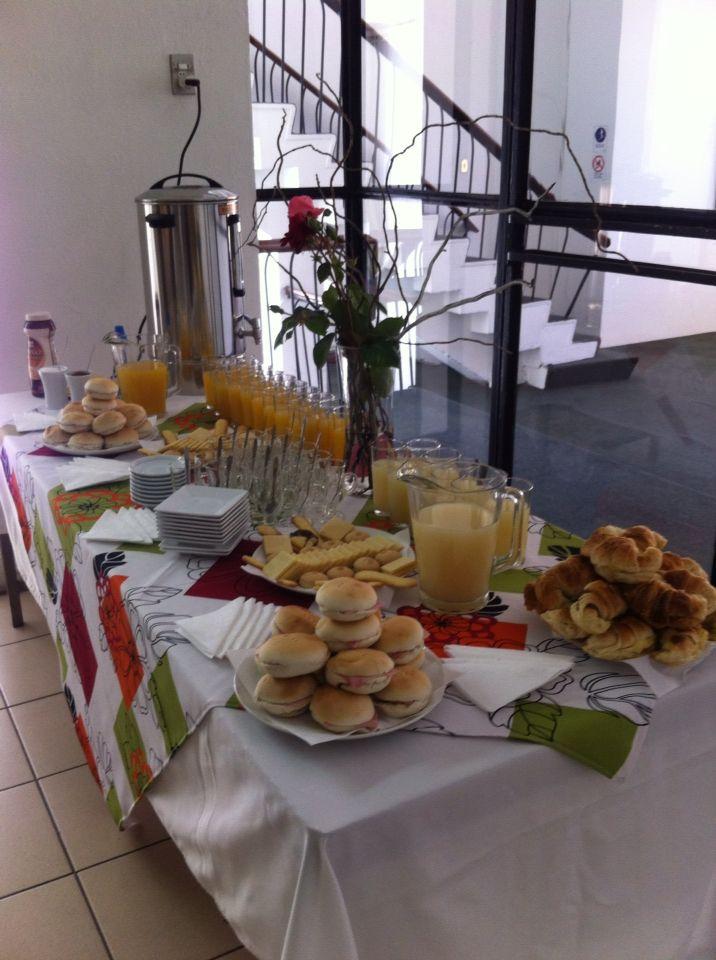 Listo el desayuno coffee break pinterest el desayuno desayuno y buffet de desayuno - Mesas de desayuno ...