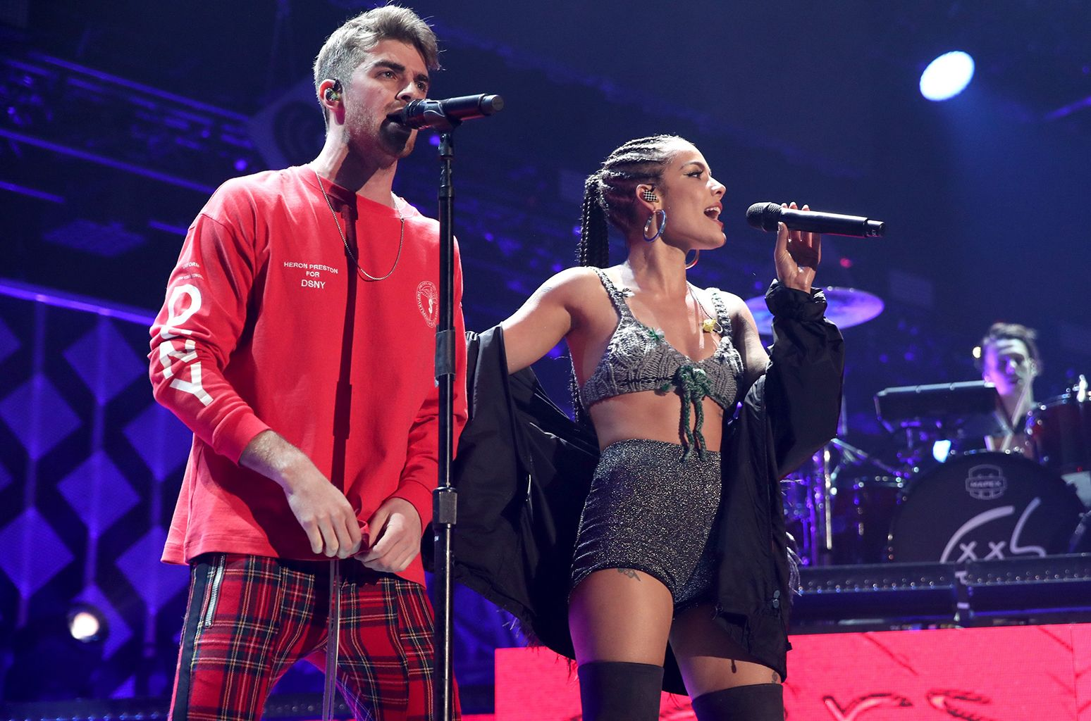 Taylor Swift And Surprise Duets Shine At Iheartradio S Kiis Fm