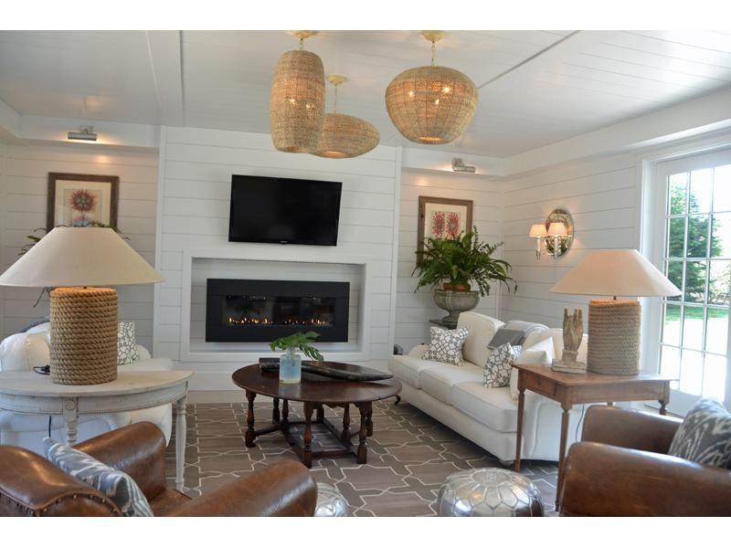 Custom Beachy Living Room Ideas Exterior