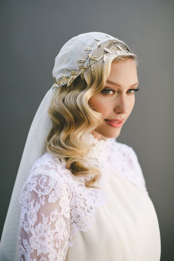 Vintage Inspired 1920s Cap Veil With A Grecian Gold Leaf