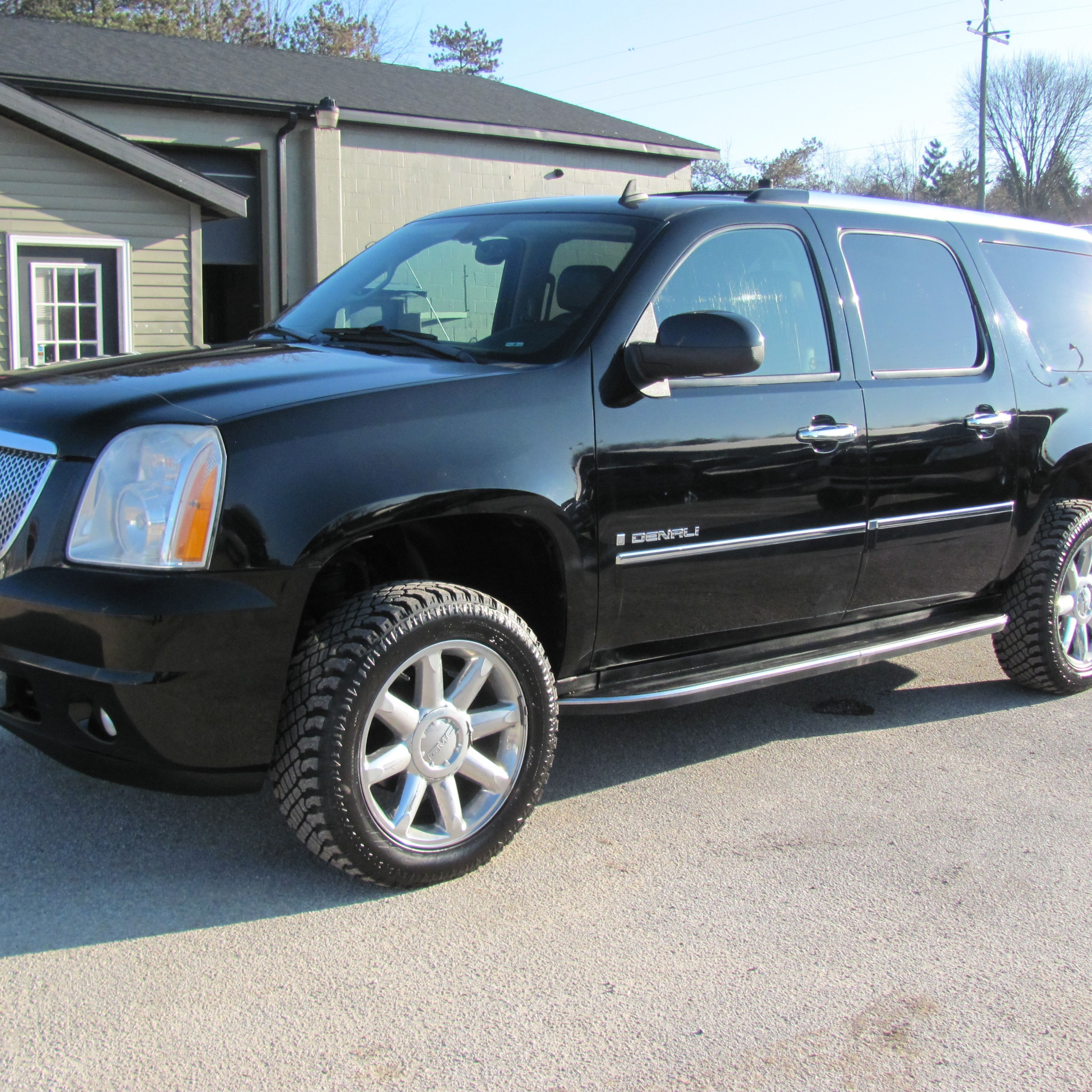 For Sale 16 995 With Images Gmc Yukon Xl Gmc Yukon