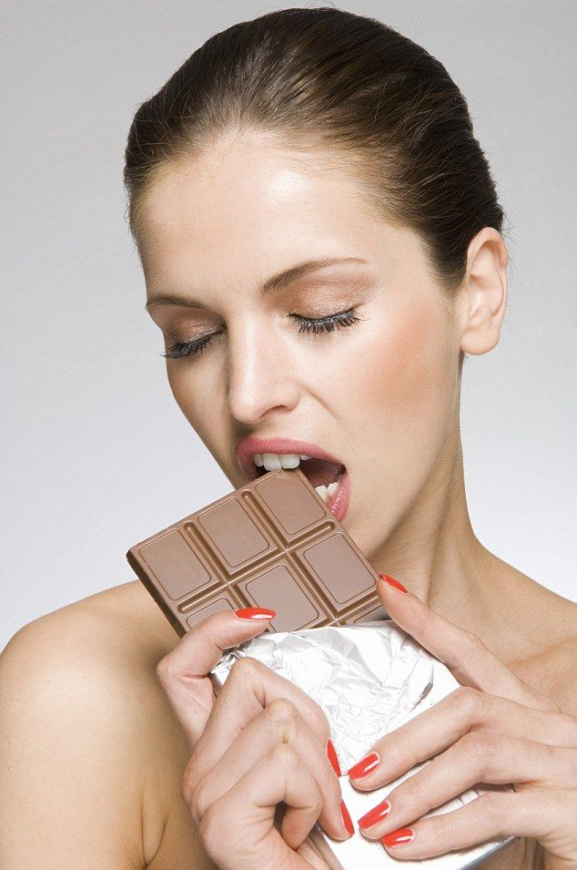 A study published in the journal Annals of Endocrinology repeats what many already know, stating: ¿There are often dietary compulsions during this period of the cycle, especially for sweet foods and chocolate'