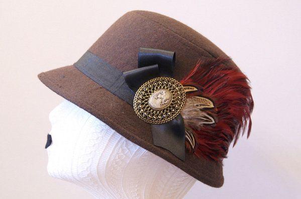 Sombrero con broche 'vintage'