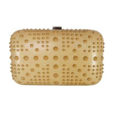 c173c29e9 Clutch (bolsa de mão) rígida bege com spikes, acompanha alça corrente. Para  as antenadas em moda, perfeita para eventos e festas, arremata a produção  com ar ...