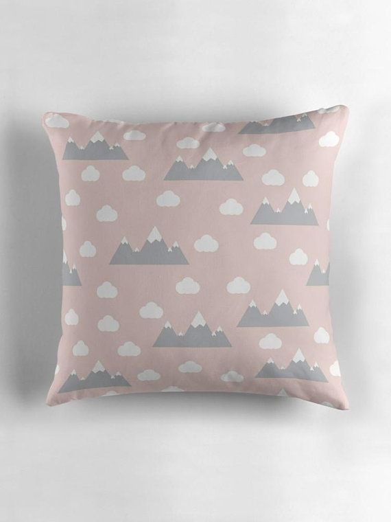 Babyzimmereinrichtung Pink Clouds Cushion Mountain Cushion Nursery Decor Pink