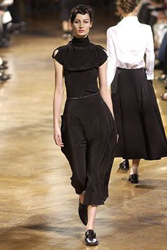 Yohji Yamamoto - Spring 2003 Ready-to-Wear - Look 12 of 42