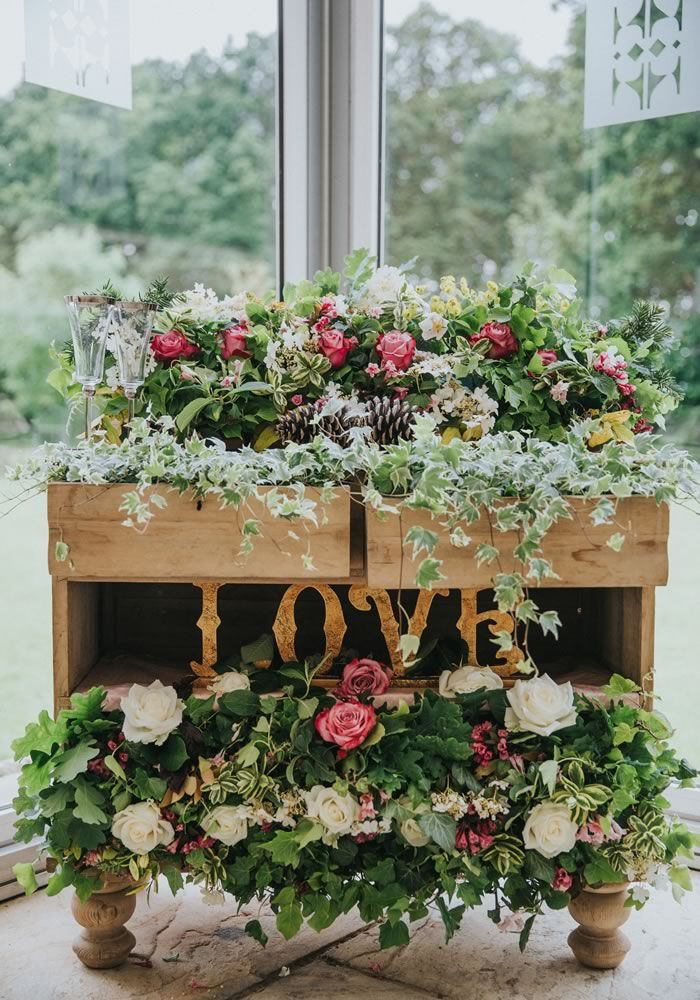 25 show stopping wedding decoration ideas to style your venue 25 show stopping wedding decoration ideas to style your venue junglespirit Gallery