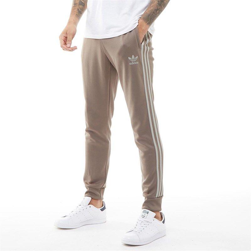 Adidas Originals Gefutterte Jogginghose Kultigem 3 Streifen Mesh Detail An Den Beinen Cd7674 Mandmdirect Adidas In 2020 Adidas Originals Herren Mode Mode Online