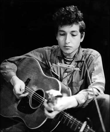 8-2 in 1962: Folk singer Robert Zimmerman has his name legally changed to Bob Dylan.   Bob dylan, Bob dylan interview, Bob dylan quotes
